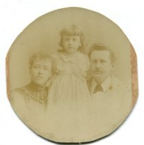 Image of Photograph - Athol, Margaret & Will Porter