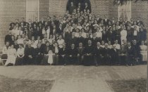 Image of Alexander Mack Memorial Library Special Collections - Bridgewater College students and faculty, 1913 - 1914