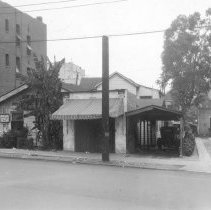 Image of 0025A - House on Figueroa north of Temple