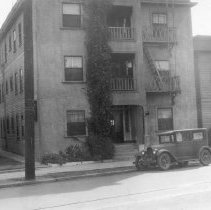 Image of 0077B - Apartment Building eastside of Figueroa