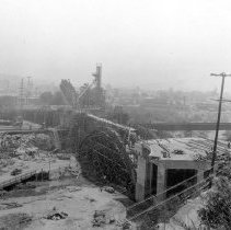 Image of F-0228 -  Dayton Avenue Bridge from west bank of Los Angeles River