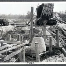 Image of F-0321 - Manhole removal