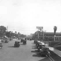 Image of F-0517A - Wilshire Boulevard west of Vermont Avenue