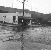 Image of F-0521 - Water damage at Echo Park Avenue and Cerro Gordo Street