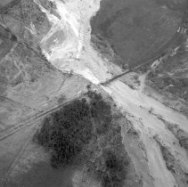 Image of B-190-077 - Flooding of the Atcheston, Topeka and Santa Fe Railroad