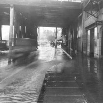 Image of F-0529 - Glendale Boulevard Under Echo Park Avenue bridge