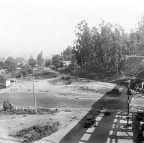 Image of F-1317 - Riverside Drive at Pacific Electric Trestle