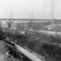 Image of F-1675 -  Old East Fourth Street viaduct