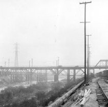Image of F-1676 - Old East Fourth Stret Viaduct