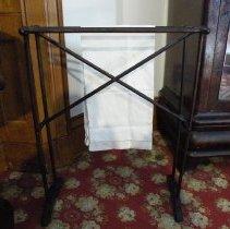 Image of 1988.278 - Rack, Towel