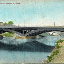 Image of Michigan Avenue Bridge, Lansing, Michigan - 2015-01-001.V01.076a