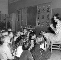 Image of Lyons Elementary School Kindergarten Storytime