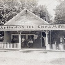 Image of Shop Selling Davis & Co. Ice Cream