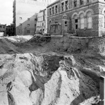 Image of Excavation on North Capitol for replacement City Hall. Old Post Office/City Hall Annex adjacent. - 2015-06-003.V1.046