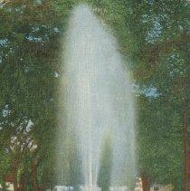Image of Memorial Fountain. Central Park. Lansing, Michigan - 2015-01-001.V13.112