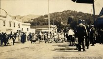 Image of Lytton Square during Dipsea Race, early 1900s                                                                                                                                                                                                      - Print, Photographic