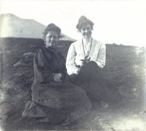 Image of Agnes Lundquist and Mrs. Sackse, 1908                                                                                                                                                                                                                          - Print, Photographic