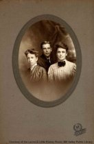 Image of Huntoon family members, date unknown                                                                                                                                                                                                                       - Print, Photographic