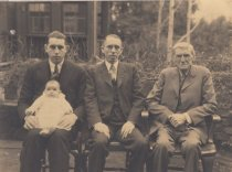Image of The Finn Family, 1925                                                                                                                                                                                                                                     - Print, Photographic