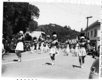 Image of Parade up Throckmorton toward Old Mill Park, circa 1940s                                                                                                                                                                                                       - Print, Photographic