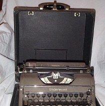 Image of Typewriter - 2000.053.003B