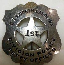Image of Badge - 1994.026.0009