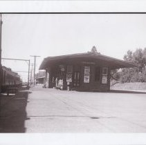 Image of Reading Railroad passenger station 1950