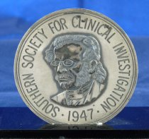 Image of Close-up of First Founder's medal obverse