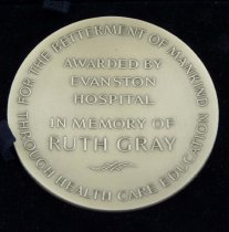 Image of Close-up of Gray medal reverse