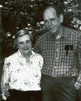 Image of SIC00005 - Eugene A. Stead, Jr. and Evelyn S. Stead, Informal Portrait