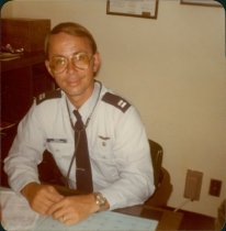 Image of SIC00286 - Physician assistant working at air force base