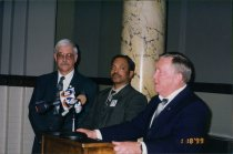 Image of SIC00337 - Murl Dotson (middle) at press conference