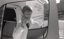 Image of SIC00395 - Mike Phillips with Kidney Donor Truck