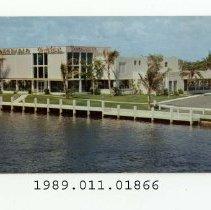 Image of 1989.011.01866 - Creighton's Restaurant, Fort Lauderdale, Florida