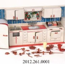 Image of 2012.261.0001 - Kitchen, Toy