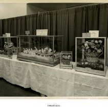 Image of 1998.045.0033 - Photograph