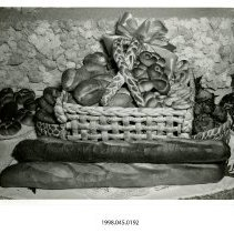 Image of 1998.045.0192 - Photograph