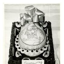 Image of 1998.045.0203 - Photograph