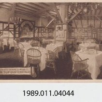 Image of 1989.011.04044 - Charles Dickens Corner, The Top Inn Chicago, Chicago, Illinois