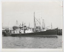 Image of LB2012.15.5042 - National Fisherman Collection