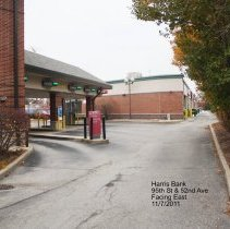 Image of 95th Street Oak Lawn - This is a photograph of the back of Harris Bank located on 95th Street and 52nd Avenue.