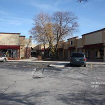 Image of 111th Street and Cicero Avenue Complex - This is a photograph of the strip mall located in the 111th Street and Cicero Avenue Complex.