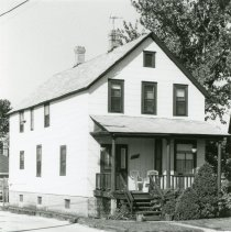Image of 9432 South Tulley Avenue  - This is a photograph of a home which was located at 9432 South Tulley Avenue. This home was eventually demolished to make room for parking behind Krauss' Gaslite Lounge located at 5130 W. 95th Street.