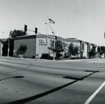 Image of 95th Street and Cook Avenue - This is a photograph showing a panoramic view of 95th Street near Cook Avenue.  The Oak Lawn Public Library, Village Hall, and Center of Public Safety are all visible.  Other businesses can be seen lining 95th Street in the distance.