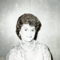 Image of Unidentified Woman - This photograph shows an unnamed woman.