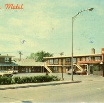Image of Gateway Motel Postcard - This item is a postcard from the Gateway Motel located at 4657 West 95th Street.  The front has a picture of the motel while the back contains a personal message.