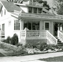 Image of 9446 S. 54th Avenue House - This is a photograph of a house located at 9446 S. 54th Avenue. This house was razed to make way for a bank and a parking lot.