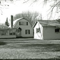 Image of 9600 S. Mansfield Avenue House - This is a photograph of a house located at 9600 S. Mansfield Avenue built circa 1940.