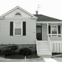 Image of 9538 S. Melvina Avenue House - This is a photograph of a house located at 9538 S. Melvina Avenue.
