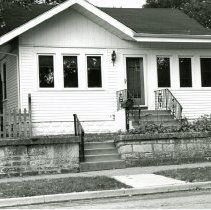 Image of 9428 S. 54th Avenue Residence - This is a photograph of a house located at 9428 S. 54th Avenue. This home was eventually demolished to make room for storefronts and a parking lot.